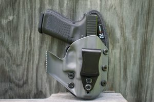 Holster Showdown: What's the difference between Kydex, injection molded?