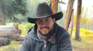 Grizzlies kill Wyoming man as bear season stalled by lawsuit (VIDEO)