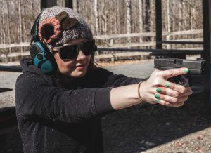 Why You Should Ditch Sub-Compact and Carry Mid-Size (VIDEO)