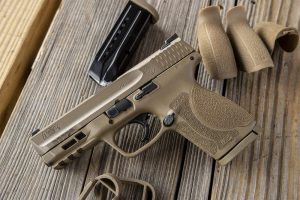 Smith & Wesson Brings Flat Dark Earth to M&P M2.0 Compact Pistol